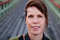 Åsa Asptjärn, född 1972, har gjort sketcher för scen, radio och tv tillsammans med Gertrud Larsson i humorkonstellationen Åsa & Gertrud.