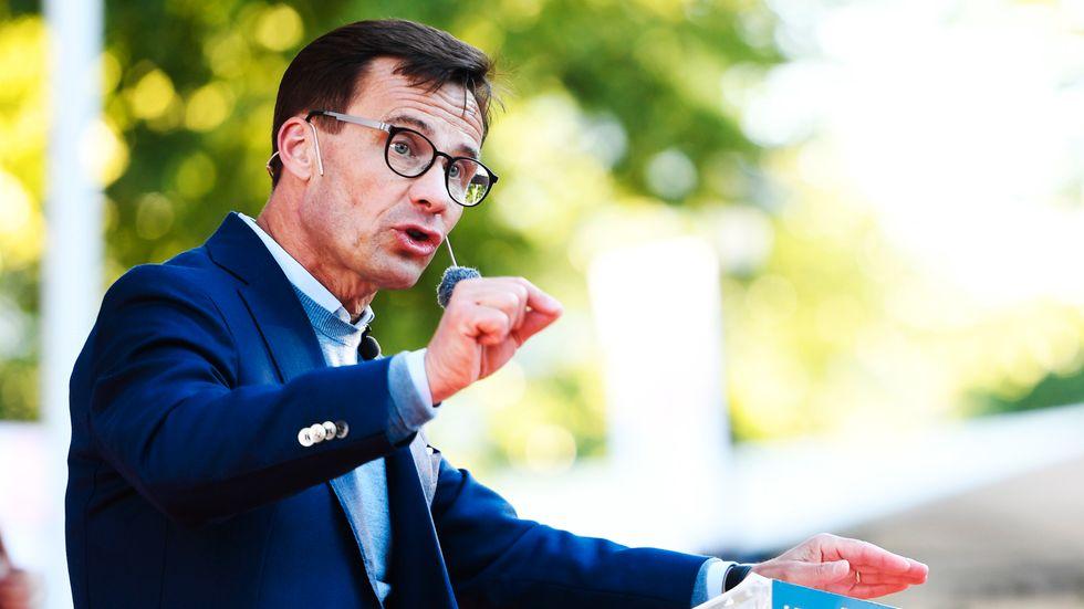 Moderaternas partiledare Ulf Kristersson ser Sveriges VM-kvartsfinal på plats i Samara.