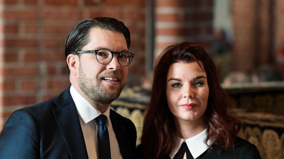 verigedemokraternas partiledare Jimmie Åkesson (SD) och hustrun Louise Erixon.