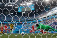 Emil Forsberg gör mål mot Polen under matchen i S:t Petersburg tidigare i veckan.