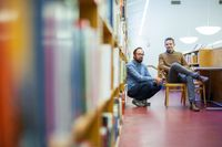 Klas Ekmans och Magnus Bremmers Bildningspodden är en av de som SvD tipsar om.