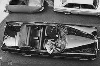 Den ovanliga Rolls Royce Silver Cloud i cabrioletversion var specialbyggd och gick loss på 150 000 kronor. Året före, 1963, fick modellen en ansiktslyftning – sedan lanserades efterträdaren Silver Shadow 1965.