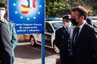 Frankrikes president Emmanuel Macron under ett besök vid den fransk-spanska gränsen.
