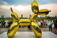 Baloon dog av Jeff Koons. Ingår i utställningen Jeff Koons on the Roof som pågår fram till och med oktober på Metropolitan Museum of Art.