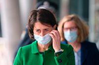 Delstaten New South Wales premiärminister Gladys Berejiklian under en presskonferens om smittan i Sydney på torsdagen.