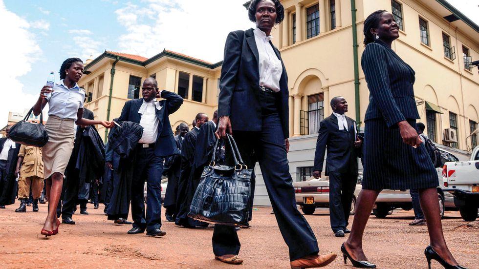 Uganda avskaffar en kontroversiell lag som bland annat förbjudit kortkorta kjolar i det offentliga. På bilden en domstol i huvudstaden Kampala. Arkivbild.