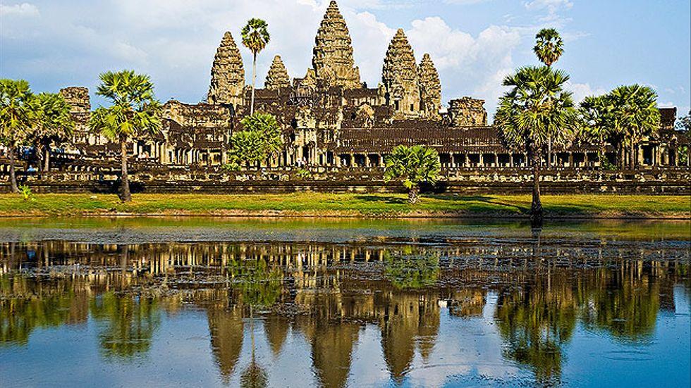 Kambodjas största sevärdhet, templet Ankor Wat, får snart en dubbelgångare i Indien.