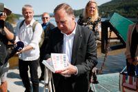 Löfven på Utøya: Vi får aldrig glömma