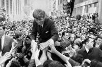 Robert F Kennedy i Philadelphia under presidentvalskampanjen i april 1968.