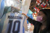 Pensionera nummer 10 över hela fotbollsvärlden för att hylla Diego Maradona, det vill fotbollstränaren André Villas-Boas.
