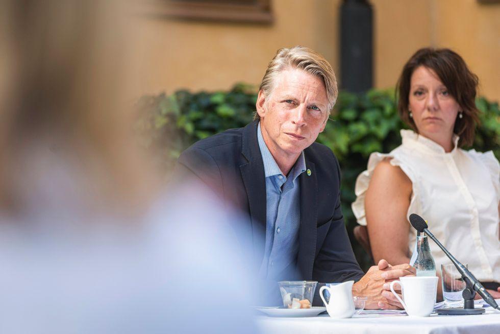 Per Bolund (MP) tillsammans med högskoleministern Matilda Ernkrans (S).