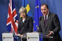 Försämrade handelsrelationer för företagen väntas efter brexit. På bilden statsminister Stefan Löfven (S) och Storbritanniens premiärminister Theresa May. Arkivbild.