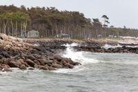 Löderups Strandbad år 2011: Sten har lagts ut för att stoppa erosionen. Arkivbild.