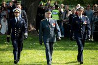 Prins Carl Philip, kungen och ÖB deltog i veterandagen den 29 maj för att hedra de 100 000 svenskar som medverkat i krig.
