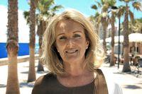 Liz Wallin jobbar som mäklare i Fuengirola på den spanska solkusten.