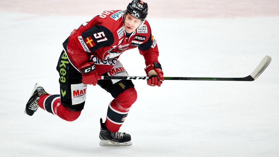 Malmö och Emil Sylvegård får vänta med matchspelet i SHL på grund av coronasmitta. Arkivbild.