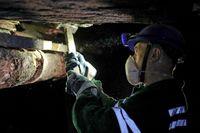 Arbete i en urangruva i Krasnokamensk i Ryssland.