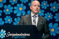 SD:s partisekreterare Björn Söder har uttalat sig om att samer, kurder och judar kan få leva i Sverige – men att de inte är svenskar.