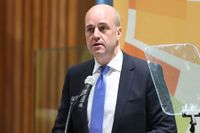 Avgående statsminister Fredrik Reinfeldts plötsliga avgång kan ställa till det för Alliansen menar SvD:s valpanel.