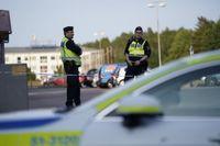 Polisen är på plats med flera patruller för att utreda händelsen närmare.