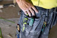 Betala flera hundra procent extra för materialet – annars vägrar hantverkarna göra jobbet.
