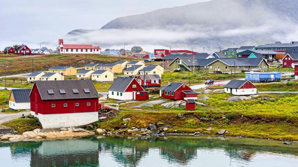 Narsaq, Grönland, har hamnat i fokus den senaste tiden.