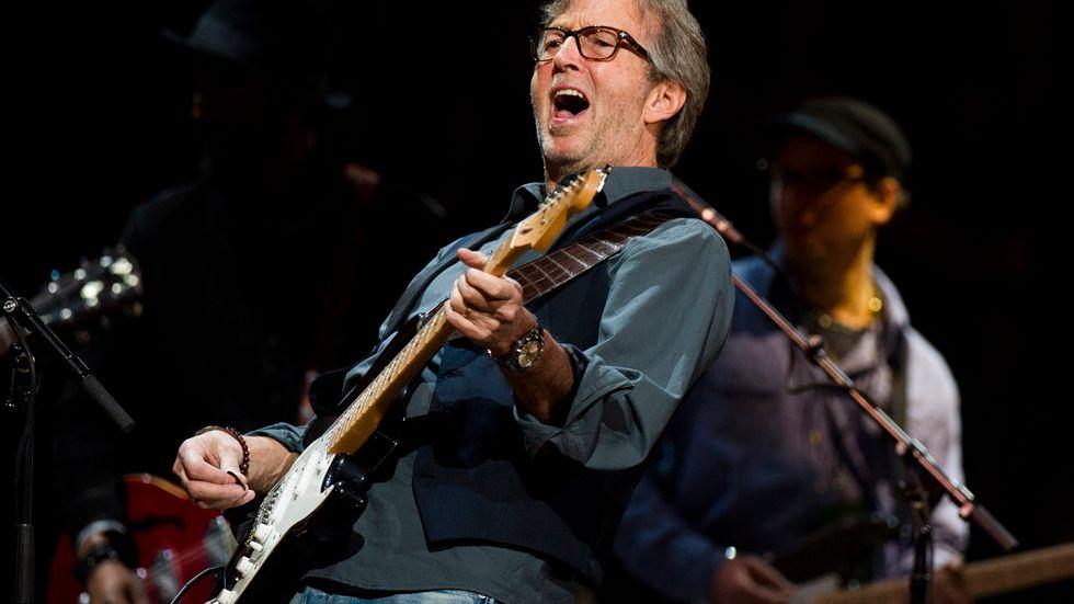 Eric Clapton säger att han inte vill diskriminera någon från sina konserter. Arkivbild