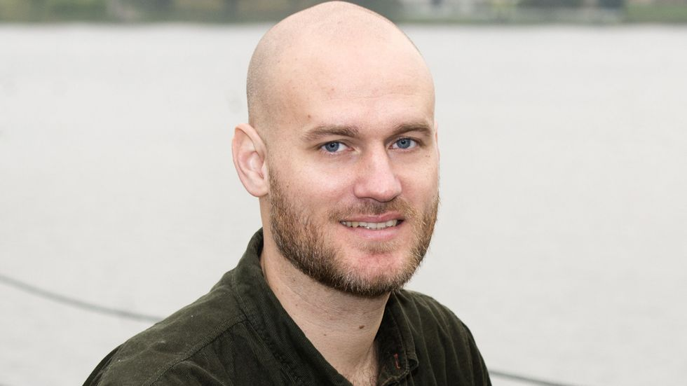 Jacob Sundberg, född 1981, är verksam som skribent och affärsutvecklare.
