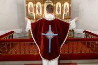 Könsfördelningen bland Svenska kyrkans präster är nu nästan helt jämn. Arkivbild.