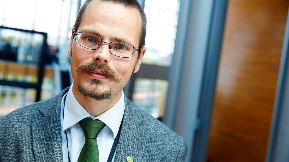Max Andersson (MP) gick emot majoriteten när EU-parlamentets rättsliga utskott på onsdagen röstade ja till ett kritiserat förslag om ny upphovsrättslagstiftning. Arkivbild.