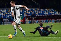Parmas Dejan Kulusevski satte 1–0 mot Napoli efter ett försvarsmisstag från Kalidou Koulibaly.