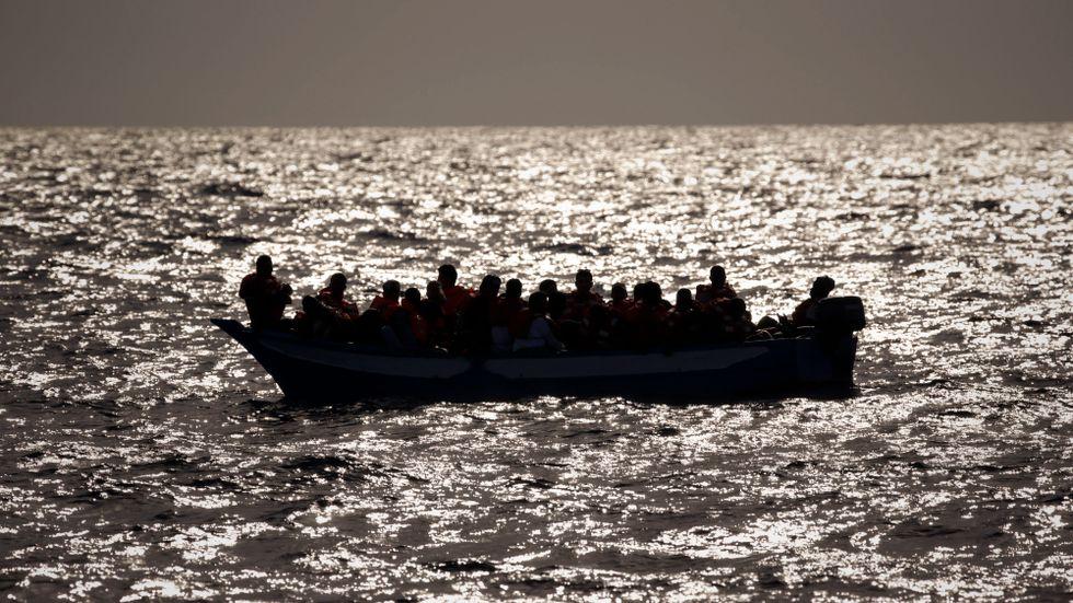 En migrantbåt på Medelhavet. Arkivbild.