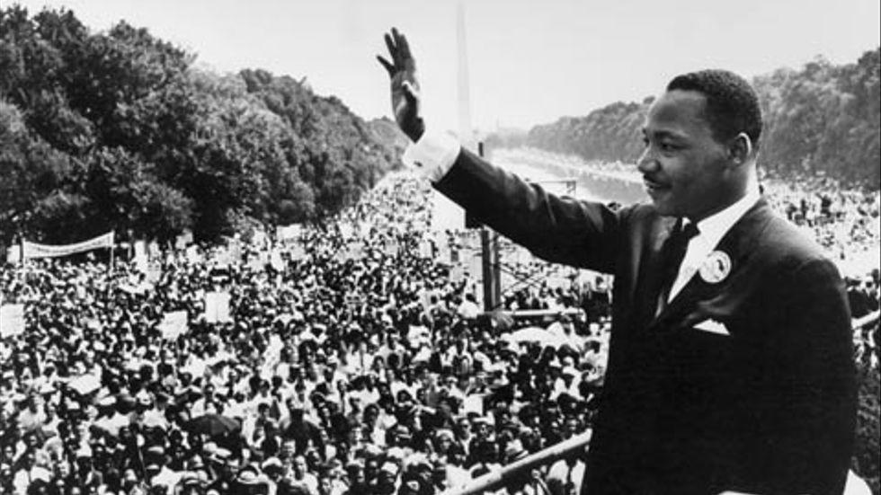 """1963: Inför en kvarts miljon människor håller Martin Luther King tal vid Lincoln Memorial. """"I have a dream"""", säger han."""