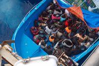 I mitten av juni räddade Poseidon flyktingar utanför Maltas kust.