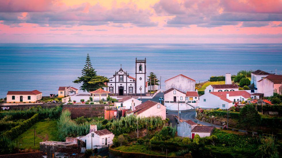 Azorerna har kryddats med en ny generation krogar och hotell.