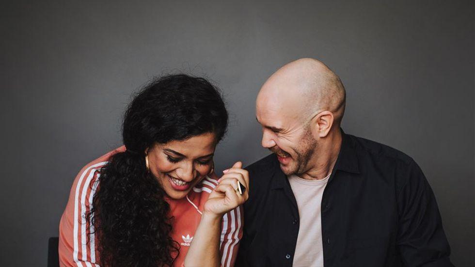 """Redaktörerna Athena Farrokhzad och Kristofer Folkhammar har gjort urvalet till antologin """"Berör och förstör"""". Resultatet är 79 dikter för unga, skrivna av samtida svenskspråkiga poeter."""