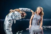 "Simon Wiborn och Ivonne Fuchs i ""Lohengrin dreams""."