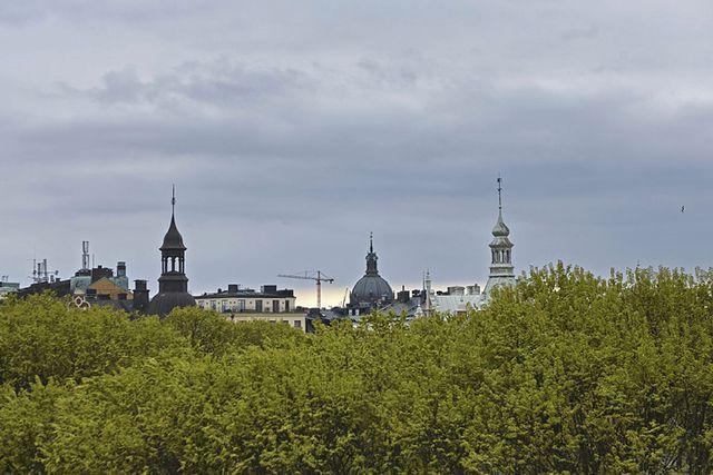 Utsikt från våningens kungsbalkong