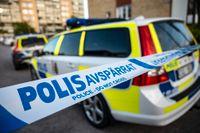 Polisen jagar en misstänkt våldtäktsman i Umeå efter att två kvinnor upprättat en anmälan om brott som ska ha begåtts i en lägenhet. Arkivbild.