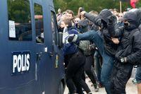 Villkoren för motdemonstrationer ska inte dikteras av en mindre grupp, anser Andreas Schönström (S).
