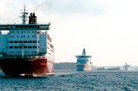 Såväl Tallink-Silja Line som Viking Line har tvingats säga upp många anställda som en följd av pandemin. Arkivbild.