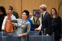 Miljöpartiets båda språkrör Märta Stenevi och Per Bolund i plenisalen i riksdagshuset i samband med riksmötets öppnande.