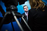 Arbetsförmedlingens generaldirektör Mikael Sjöberg medger att snabbspåren har brister.