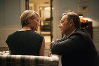 Robn Wright och Kevin Spacey som det samvetslösa politikerparet Underwood i tv-serien House of Cards.