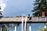 Hemmasittandet har gjort renoveringar och trädgårdsskötsel populärt, något som lett till ett lyft för Byggmax som redovisar kraftigt ökad nettoomsättning i sin senaste delårsrapport. Arkivbild.