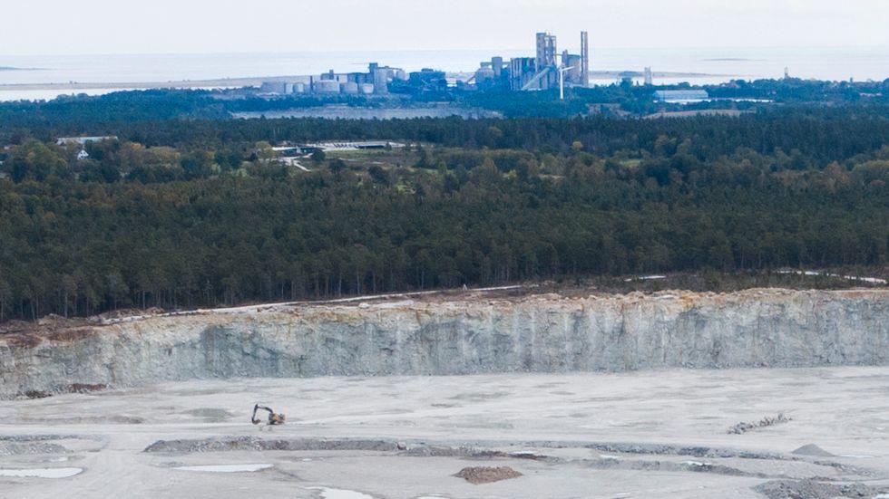 Cementas kalkbrott väster om Slite på Gotland. Arkivbild.