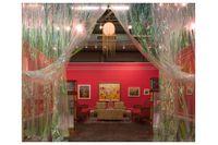 """Publikmagneten """"The Florine Stettheimer collapsed time salon"""" visas på Deitch Gallery i konstmässan The Armory Show som pågår i New York 8–11 mars."""