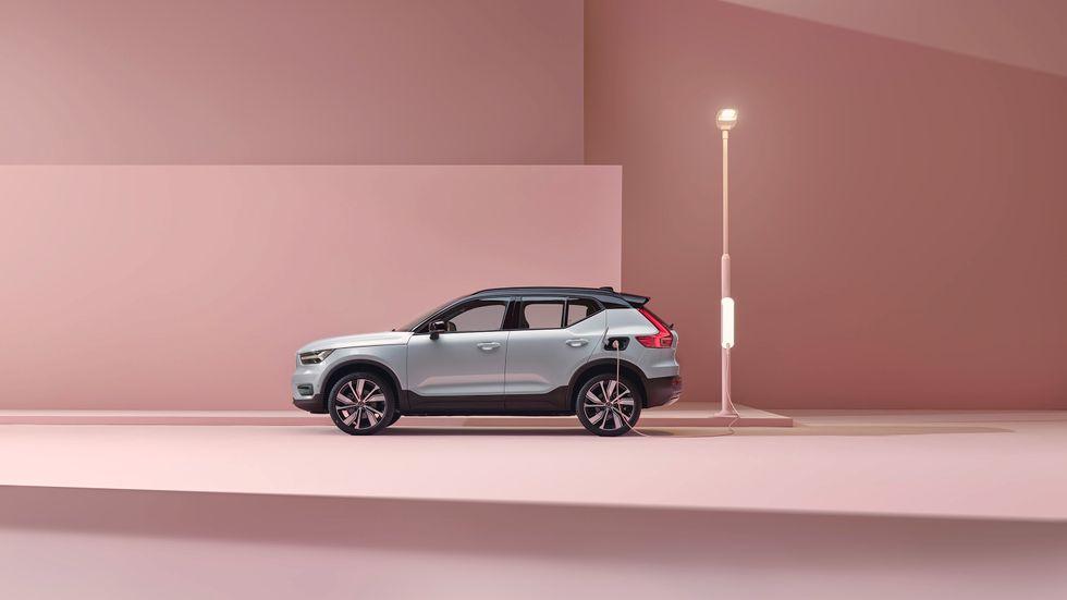 Kostnadsbilden är i de flesta fall bättre för företaget med en hybrid- eller elbil jämfört med en bensin- eller dieseldriven.
