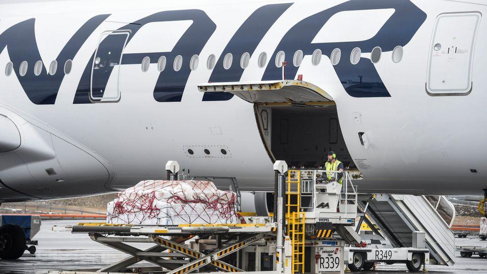 Det införs krav på munskydd på flygbolaget Finnairs flygningar från och med den 18 maj. Arkivbild