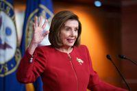 Representanthusets talman Nancy Pelosi vägrar nämna USA:s förre president Donald Trump vid namn. Arkivbild.